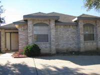 LOVELY HOME IN NORTH LAREDO, NEAR BORCHERS ELEMENTARY