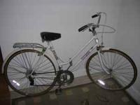 Women's vintage 10 speed free spirit. This is a very