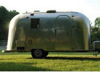 This Vintage 1967 17ft AIRSTREAM CARAVEL Travel Trailer