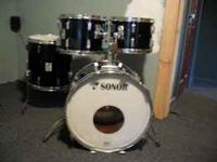Im seeling a 1976 Sonor Beech wood drum set in paino