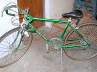 Vintage 1980 Schwinn Emerald Green 10 Speed Bicycle