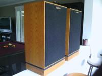 Vintage 1984 Klipsch Oak Speakers. KG4's. Excellent