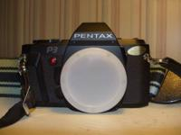 Pentax  P3 - SLR 35mm camera with leather case