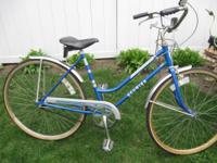 USED-NICE LADIES COLLEGIATE 3 SCHWINN BIKE--1979---26 X