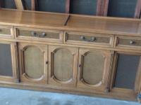 Wonderful and gorgeous Magnavox wood stereo console. We