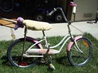 Nice small bike in great condition, little girls pink