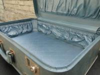 Beautiful, vintage blue Monarch suitcase with fully