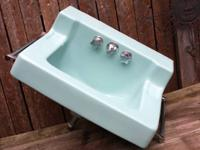 Perfect for your vintage or retro renovation. Robin's