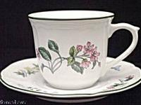 Botanica Jewel coffee set which includes 4 cups and