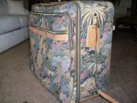 "29"" SUITCASE WITH WHEELS W/PULL STRAP 26"" SUITCASE WITH"