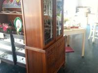 VINTAGE China/ Display Cabinet with Glass Doors  Come