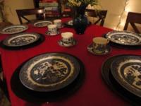 Beautiful set of 8 vintage Churchill China Blue Willow