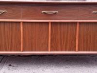 Outstanding vintage Magnavox AM/FM stereo console with