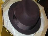 Vintage men's brown Dobb's 5th Ave.Fedora hat for sale.