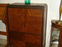 This vintage dresser is in very good condition. Does