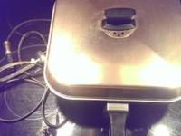 Electric skillet works great heats up fast $10 email or