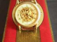 Vintage Fossil World Quartz Watch. Works great. Going