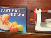 CLASSIC FRUIT PEELER like brand-new in initial box.