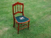 VINTAGE. NEEDLEPOINT. SEAT. DESK. SIDE. CHAIR.
