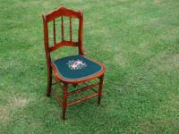 VINTAGE NEEDLEPOINT SEAT DESK SIDE CHAIR Lovely,