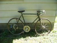 Vintage Schwinn Varsity 10 speed bicycle. This bike has