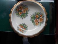 $25.00 - This vintage bowl is splendid. It is heavy and