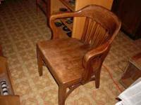 VERY HEAVY OLD COURTROOM ALL WOOD CHAIR . VERY SUPER