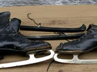 Vintage guys ice skates. Made in Canada by CCM. Size;
