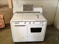 Vintage Kenmore 5 Burner Gas Stove Oven. This works