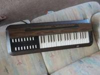 up for sale this great vintage keyboard with electric