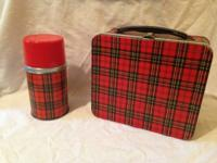Adorable vintage plaid lunchbox by Aladdin..Complete