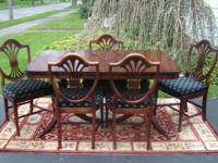 Selling this vintage mahogany Double Pedestal Dining
