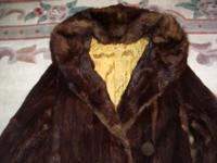 Wow tre-cool! 1930s-1940s Vintage Marmot Fur Maxi Coat
