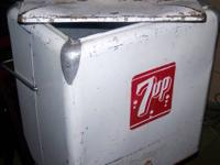 Description  Vintage metal 7up cooler.   This fine