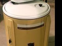 Vintage MONTGOMERY WARD Washing Machine in VERY GOOD