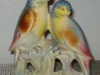 Beautiful Vintage Parakeet Figurine (2 Parakeets on