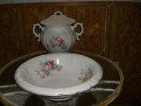 VINTAGE  PORCELAIN  CHAMBER  POT   &   WASH   BOWL,