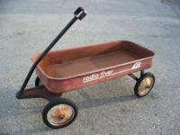VINTAGE RADIO FLYER WAGON THIS OLD METAL WAGON STILL