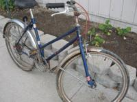 Selling a vintage Ross 5 speed cruiser. Needs tires and