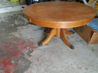 Very nice solid table.  Beautiful oak nice finish.  Had