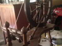 This spinning wheel is in extremely excellent condition