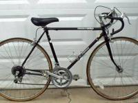Vintage 1980 Schwinn 27 inch World 10 Speed Road Bike.