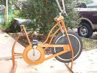 This vintage schwinn exerciser is a solid constructed