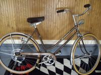 1971 Schwinn Collegiate 5 speed womans bicycle in