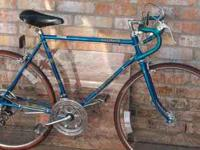 This is a Very Nice Vintage Schwinn made in Chacigo,Not