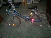 Schwinn Continental 10 speed vintage bicycle in good