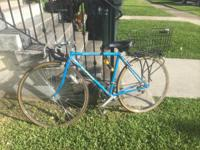 CLASSIC SCHWINN MENS BIKE-- SERIOUS INQUIRIES ONLY