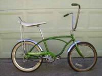 Selling a vintage Schwinn Stingray Deluxe bicycle. It's