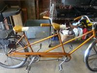 I'm offering a vintage schwinn twinn bike, in terrific