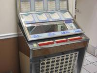 VINTAGE SEEBURG MODEL SL1 JUKEBOX! WORKS! COMES WITH